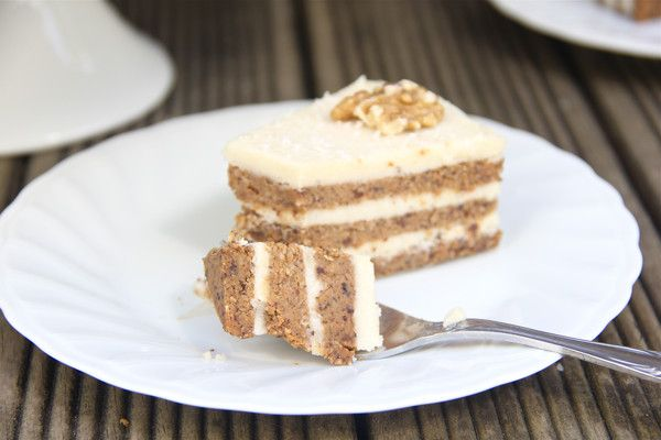 Raw Carrot Cake: Raw, vegan, cruelty-free, gluten-free, refined-sugar free, and paleo-friendly - the perfect treat for your next dinner party! http://begoodorganics.com/blogs/begoodness/10267793-raw-carrot-cake