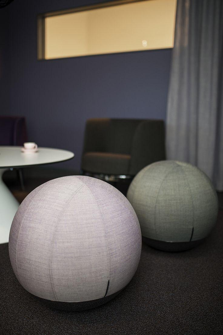 Omni easy chair, design: Carl Öjerstam   Cone table, design: Carl Öjerstam   Boullée stool, design: Anders Johnsson