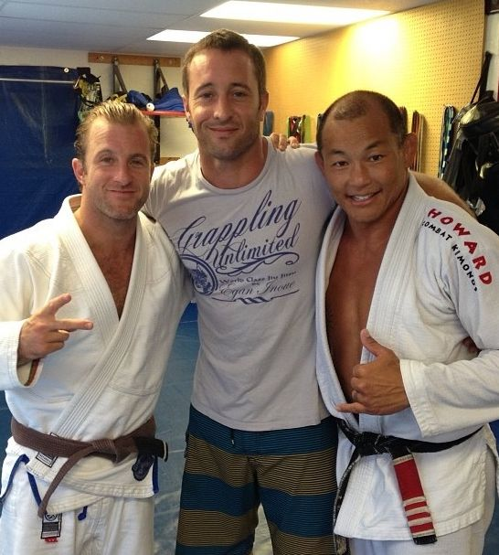 Alex O'Loughlin in Grappling Unlimited T-Shirt by| Athlete Originals