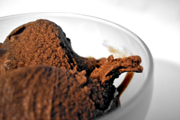 Il gelato miele cacao e zucchero di canna è una squisita variante del gelato al caco ed è semplicissima da preparare in casa...