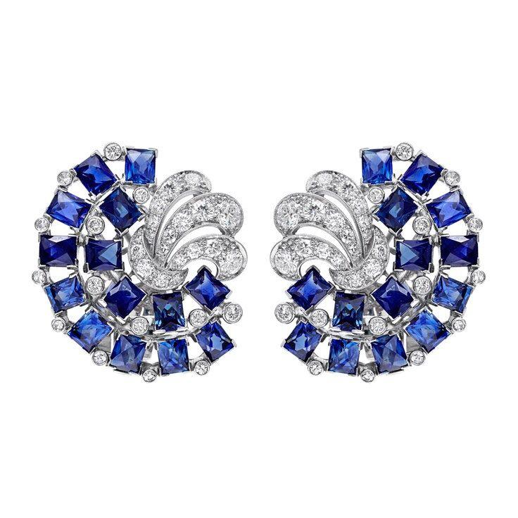 Paire de Boucles d'oreilles 1930 saphir diamant sur platine par Yard