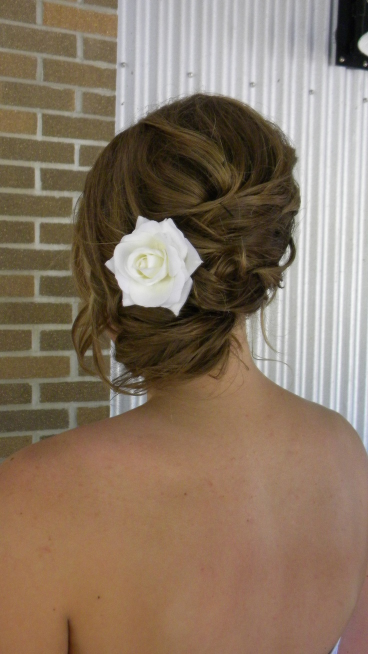 Cute side ponytail updo from my cousin's wedding in 2010:)