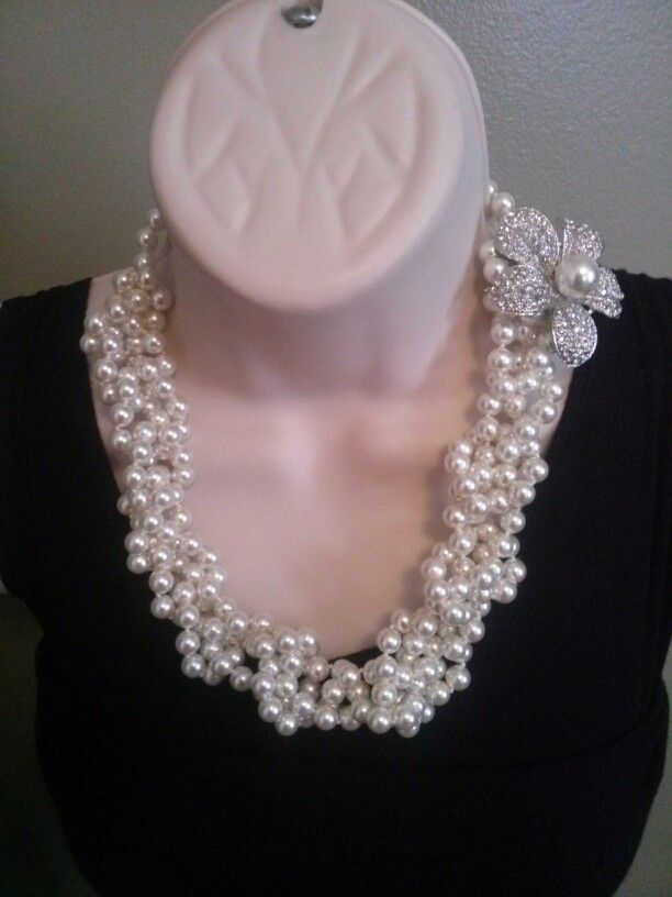Opening Night Necklace~crocheted with Prissy Pin