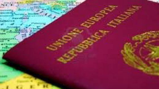 Presentato il rapporto Migrantes. L'incremento di emigranti è del 6,2 per cento