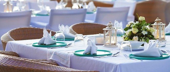 purchase most elegant custom made tablecloths & banquet tablecloths under at best prices from trendytablecloth.com. We also offers house printing on our custom printed tablecloths, napkins, runners, skirting and fabric by the yard. For more information ring us at 800 477-5638!