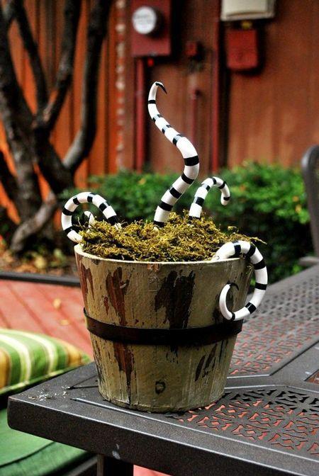 Accesorios de Halloween: monstruo venenoso elaborado con serpientes de plástico…