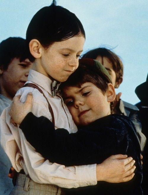 Una de las mejores películas de la década de los 90. Las grandes aventuras y travesuras que Alfalfa, Spanky y la pandilla de los chicos vivieron en La Pandilla: Los pequeños traviesos fueron para morir de risa