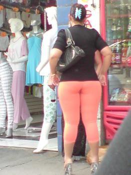 Mujer madura de gran culo - 3 part 6