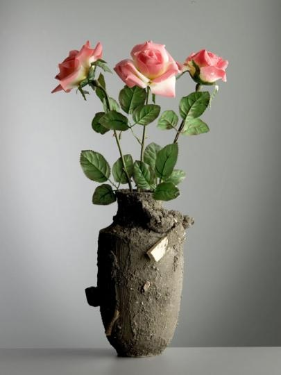 catastrophe vase by Maxim Velcovsky