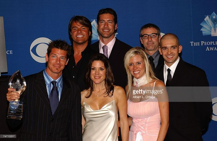 Cast of 'Extreme Makeover: Home Edition' - Preston Sharp, Michael Moloney, Paul Dimeo, Ty Pennington, Constance Ramos, Paige Hemmis and Ed Sanders during 31st Annual People's Choice Awards - Press Room at Pasadena Civic Auditorium in Pasadena, CA. (Photo