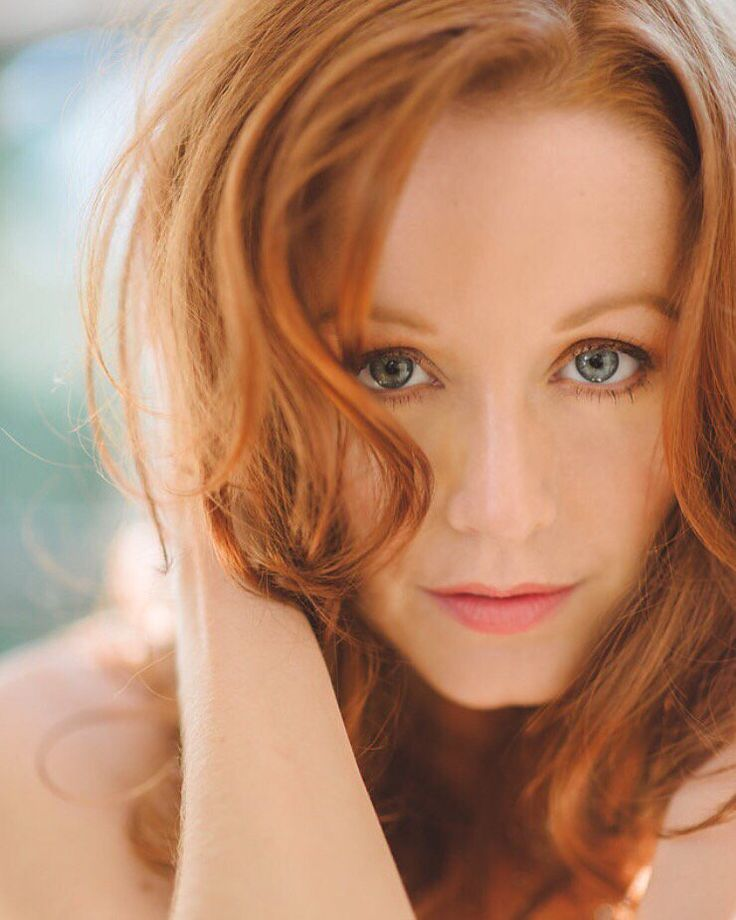 great headshot of Lindy Booth