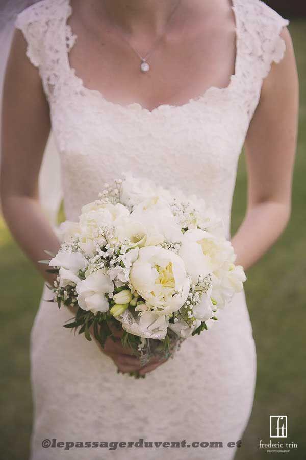 bouquet de mariée pivoine gypsophile! Looove!!!