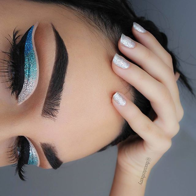 ye primer (for crease line), black liquid eyeliner #loreal black gel eyeliner #anastasiabeverlyhills brow pomade ebony #maybelline colossal volum express mascara
