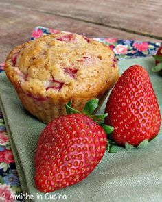 muffin vegan alle fragole e cardamomo | http://www.dueamicheincucina.ifood.it/2015/04/muffin-vegan-alle-fragole-e-cardamomo.html?utm_source=feedburner&utm_medium=email&utm_campaign=Feed%3A+2AmicheInCucina+%282+Amiche+in+Cucina%29 |