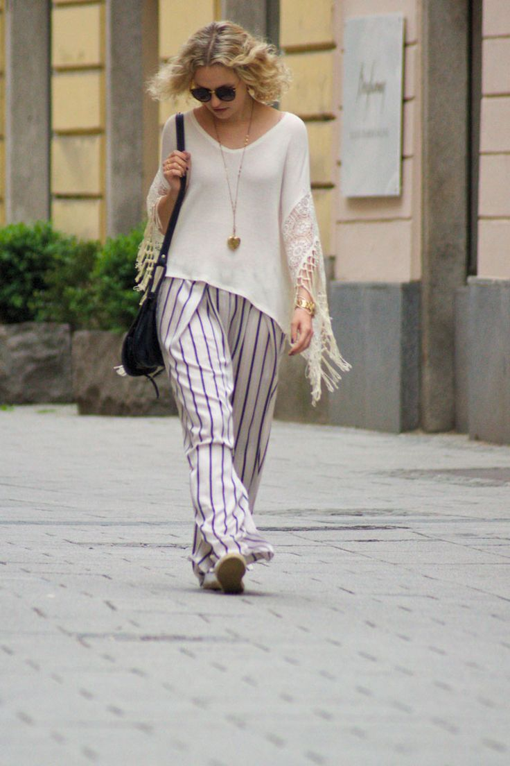 Shirt: Hollister, Trousers: H&M, Rings: I am, Necklace: Pilgrim, Watch: GUESS, Bag: Vintage, Photo: Hans Aschauer