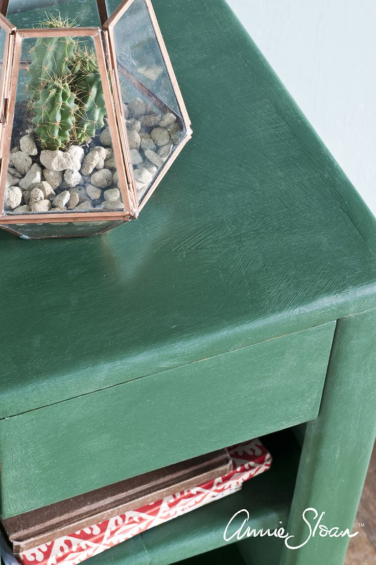green painted furniture. closeup of side table painted in annie sloan amsterdam green chalk paint furniture n