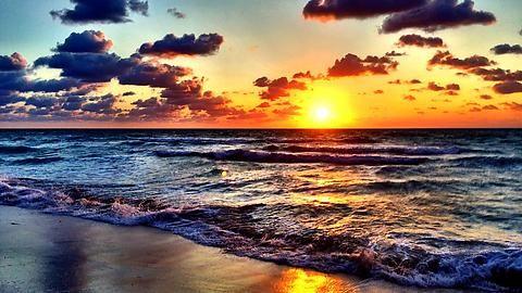 — Miami Beach Sunrise (OC) 3257x2439