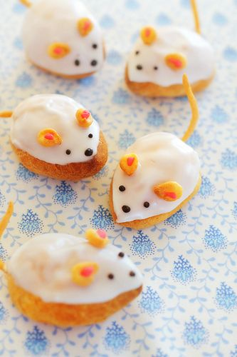 cream puff mice!!  Books - School Mouse, Country Mouse, City Mouse,  -  Adults,  Who Moved My Cheese