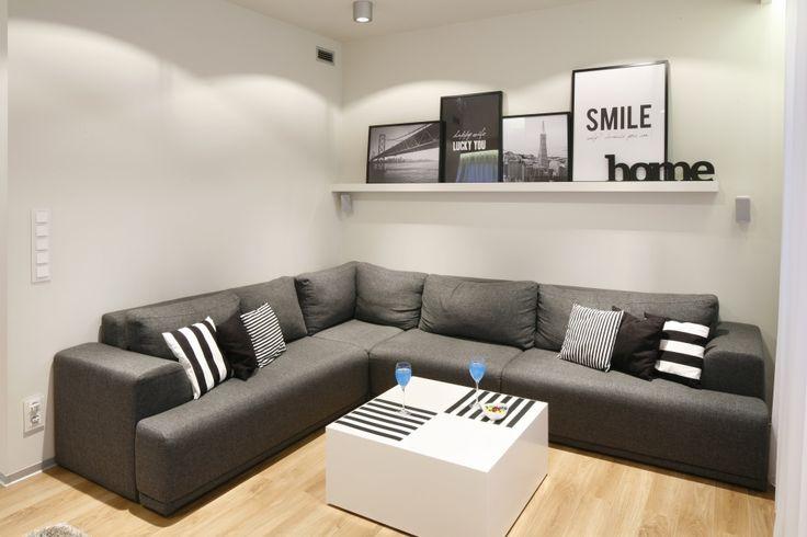 Czarno-biały salon. Zobacz galerię modnych aranżacji  - zdjęcie numer 8
