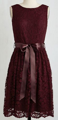 Gorgeous lace dress with bow detail