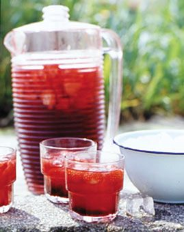 Erdbeer-Eistee - Erfrischungsgetränke für den Sommer - [LIVING AT HOME]