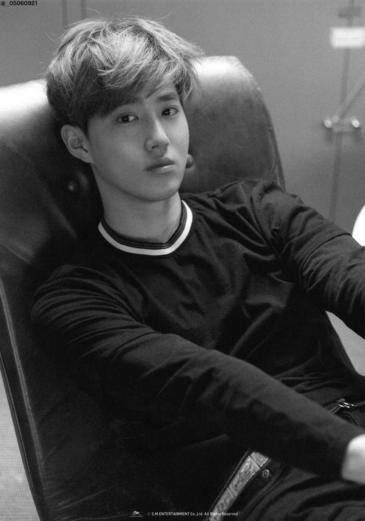 Suho - 150519 Myeongdong Pop-up Store merchandise - [SCAN][HQ] Credit: 씨앗.