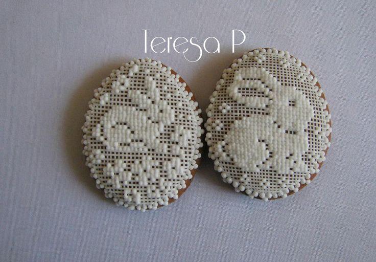 Wielkanoc, rabbits in needlepoint lace, cookies by  Teresa Pękul
