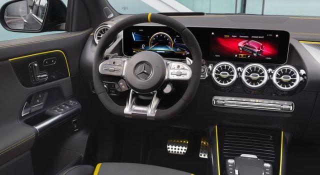 2021 Mercedes Amg Gla45 Super Pouvoirs En 2020 Mercedes Amg
