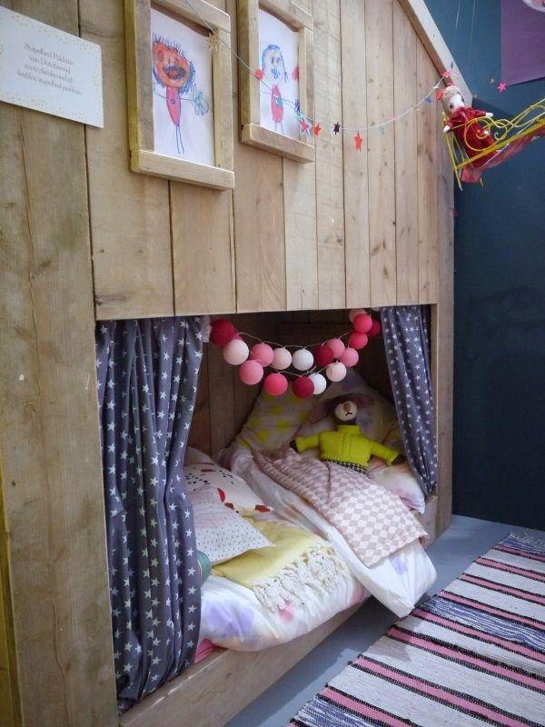 cabin kid (toddler?) bed Maison maisonnette lit pour enfant 101 WOONIDEEN | WOONBEURS 2013 AMSTERDAM