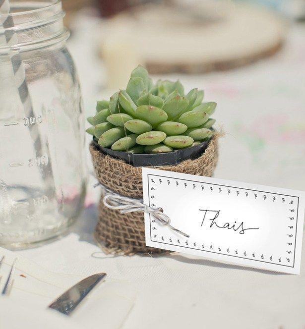 Dicas de como definir lugares à mesa e de como usar marcadores de lugar e placement cards!