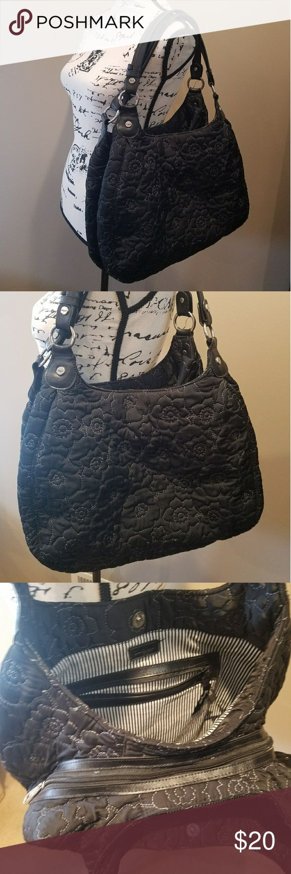 Thirty One 5th Ave Quilted Poppy Hobo purse Excellent condition!  3 huge compartments! Tons of room.  Discontinued pattern! Thirty One Bags Hobos
