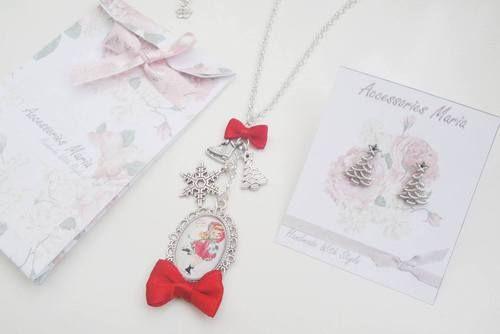 Christmas time! ❄️ #handmadejewelry #handmadeaccessories #handamade #bratari #bracelets #craciun #jewerly #sibiu #style #bijoux #accessories #christmas #work #workhome #fundita #gift, #earrings #brooch #necklace #fashion #red #green #bow #snow #snow #snowflake