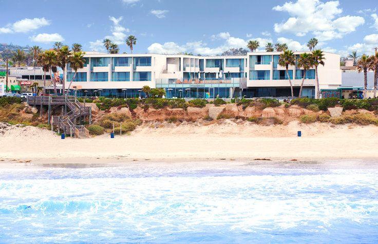 Les 25 meilleures id es de la cat gorie sc nes plage sur for Aquarelle piscine hotel seneffe