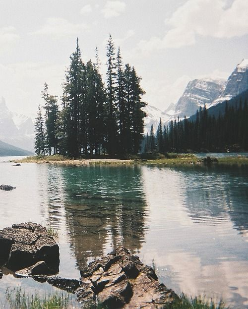 River + mountains | pinned from Abacus Row tumblr
