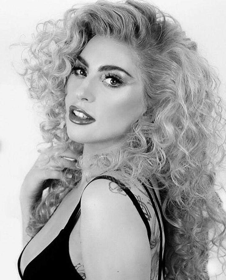 Lady Gaga AMA's 2k17 ♥️