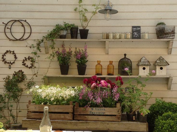 Märtas Café & Flower Store Not far from Skanör, in Hölliviken www.philsspaces.com