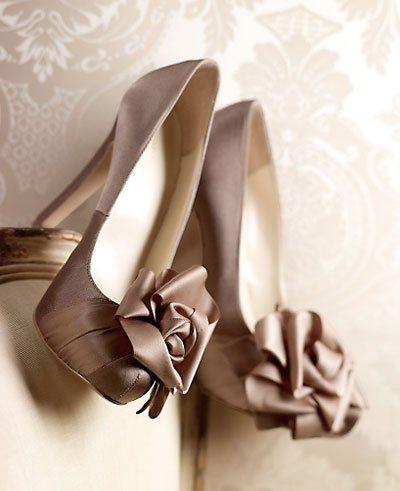 Gold latte wedding shoes #woman shoes gold #woman shoes mink