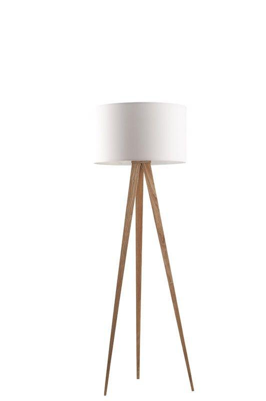 Tripod wood Gulvlampe - Hvid gulvlampe med farvebelagt metal stativ. Benene er 124 cm. Skærmens stof leveres ved siden af og monteres på et velcrobånd. Lyskilde: E27, max 75 Watt. Ledning til gulvet med tænd og sluk-knap. Skærmens mål: 50x30 cm (ØxH). Total højde: 50x157 cm (ØxH). .