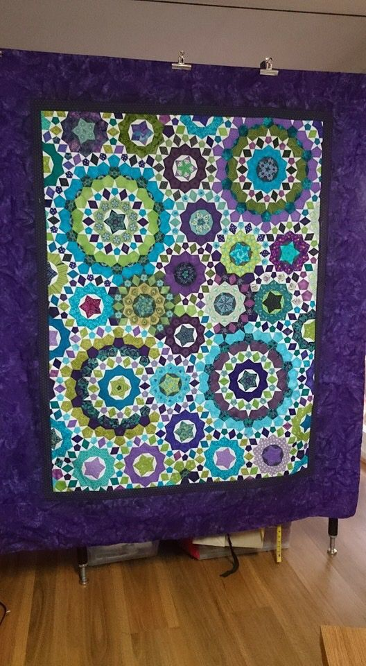 Marlene Answer-Lewis La passacaglia quilt top. Love the colours!