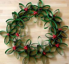 Os elementos mais importantes para decorar sua casa para o Natal são a árvore, o presépio, luzes e não podemos esquecer da guirlanda.   Eu adoro ensinar vocês a fazer coisas manuais para que cada um tenha um toque pessoal na sua decoração e além disso as crianças adoram ajudar. Hoje vamos mostrar como
