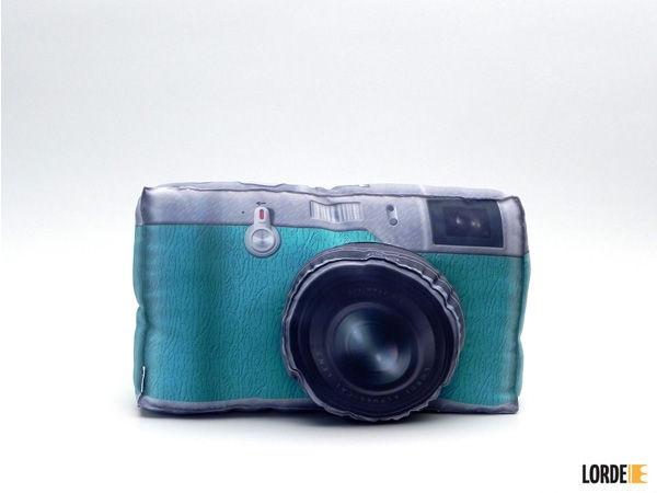 Almofada Câmera - Lorde. R$49.90