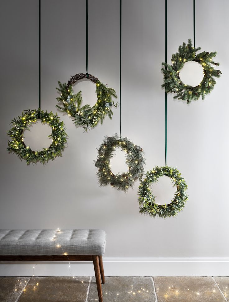 Light up Christmas wreaths are all the