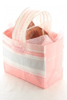 「マドレーヌのラッピング」お菓子教室SweetRibbonが提案する簡単かわいいお菓子ラッピング | お菓子・パンのレシピや作り方【corecle*コレクル】