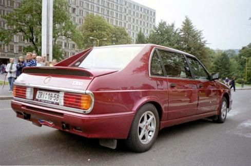 Tatra T 700