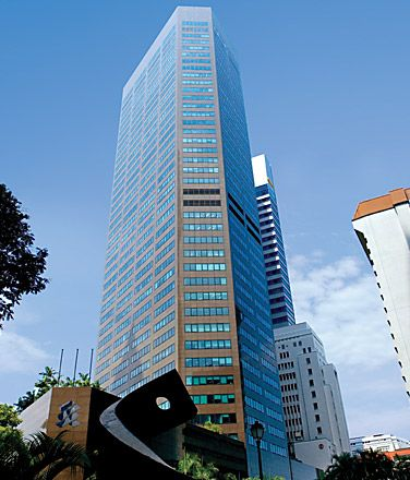 Singapore, Six Battery Road: Locatedin the commercial hub of lively, active Singapore and is recognized as one of the city's top commercial buildings