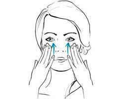 Pelle più giovane con 5 auto-massaggi al viso
