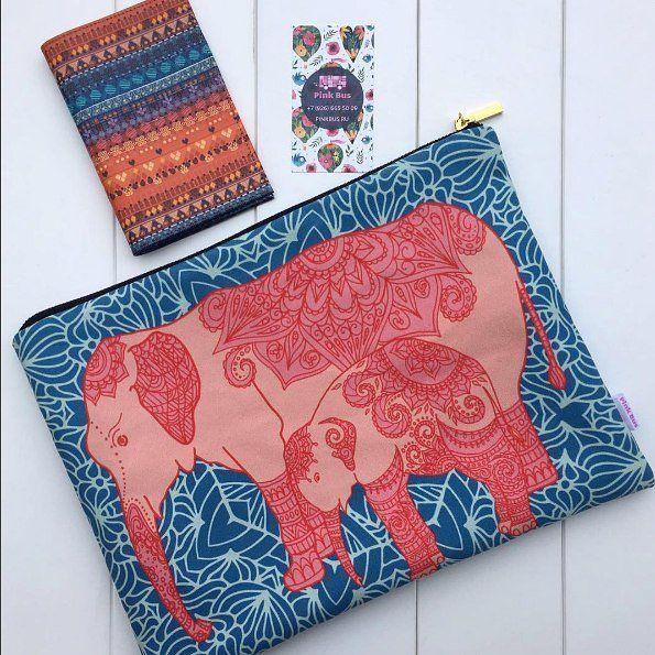 """А вот как выглядит в жизни моя косметичка """"Индийский слон и слоненок"""" от #pinkbusstore  Так приятно, что кто-то будет ее носить. Надеюсь, она порадует владельца.  #argunika #pinkbusкосметичка #этно #косметичканазаказ #elephant #pattern #print #surfacedesigner"""