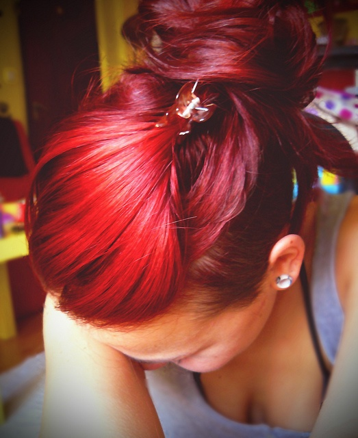 red and deep red: Deep Red, Hairstyles, Hair Colors, Red Hair, Hair Styles, Blue Hair, Hair Makeup, Sweet Colors, Kinda Red