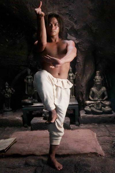 "Tony Jaa - Love him... in the first ONG-BAK: MUAY THAI WARRIOR! ""...Tatchakorn Yeerum. Better known in the West as Tony Jaa, in Thailand as Jaa Panom, is a Thai martial artist, physical educator, actor, choreographer, stuntman, director, and spent time as a Buddhist monk!"""