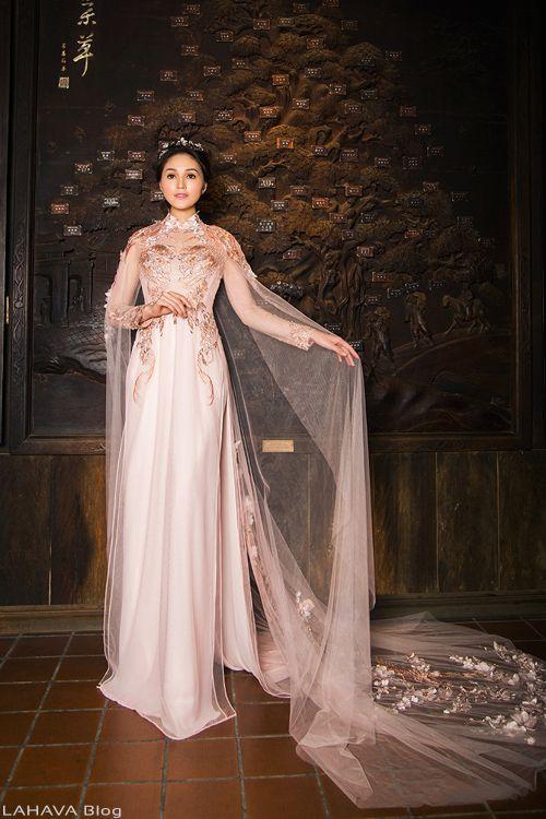 Những mẫu áo dài cưới đính kết lộng lẫy nhất cho cô dâu